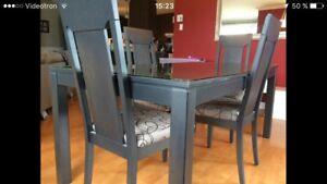 Table et chaise (mobilier) de salle à manger ou cuisine
