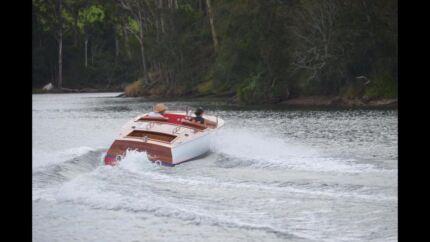 Handcrafted boat - Chris Craft, 350 Mercruiser