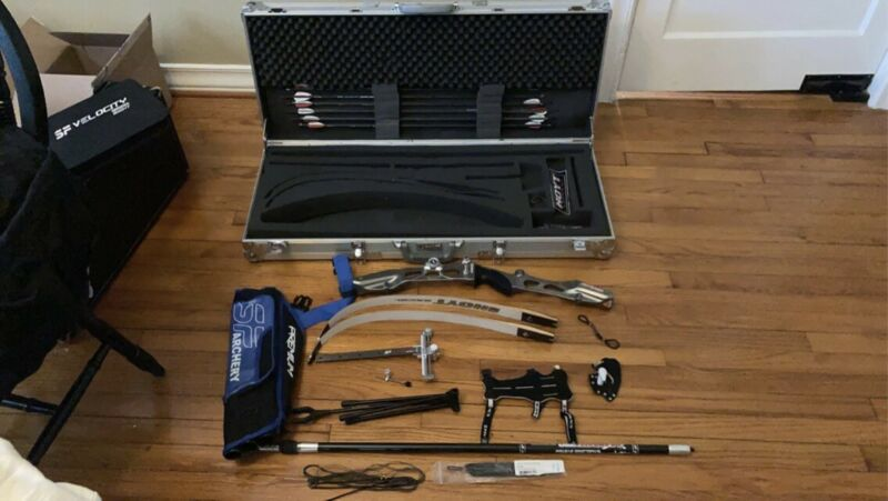 Recurve Bow And Accessories