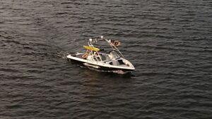 2005 Moomba Outback wake boat