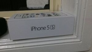 iPhone 5s 16gb Mount Annan Camden Area Preview