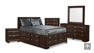 Yorkdale Queen Bedroom Set - Basically Brand New