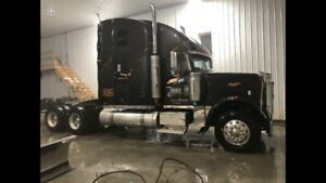 2007 Freightliner Classic - PRE-EMISSIONS