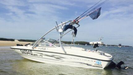 Bayliner bowrider wake ski fish boat boats Glenvale Toowoomba City Preview