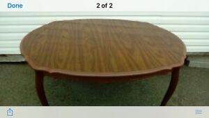 Dinning room table with extra leaf