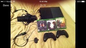 Xbox one with Kinect and two controllers Edmonton Edmonton Area image 1