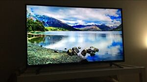 4K LED Toshiba TV 43""
