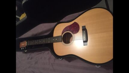 Maton guitar M400  Safety Bay Rockingham Area Preview
