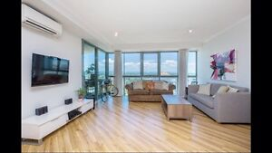 KING SIZE 1 bed unit by the BEACH Broadbeach Waters Gold Coast City Preview