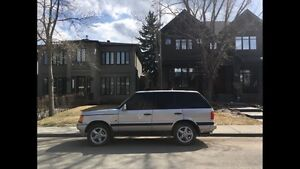 Range Rover - low Kms , very well maintained, reliable