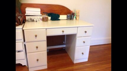 Lovely white wooden desk- reluctant sale Neutral Bay North Sydney Area Preview