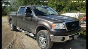 2006 Ford F-150 truck for sale