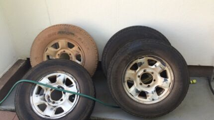 Tyres off triton $250 ono Wulagi Darwin City Preview