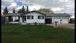 Acreage house for rent in Sturgeon County