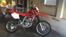 2004 Honda XR400R Motorbike Figtree Wollongong Area Preview