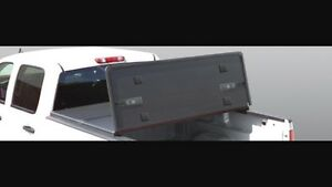 Tonneau cover for GMC/ Chevrolet