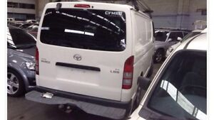 Toyota Hiace tow bar with technicians-step Lurnea Liverpool Area Preview