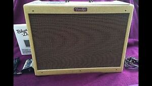 Fender amp like new  used at home only