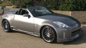 Beautiful 2007 Nissan 350Z Roadster