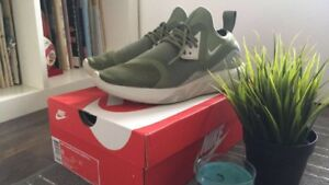 Perfect condition Nike lunarcharge essential