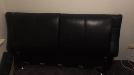 Black leather queen size bed East Victoria Park Victoria Park Area Preview