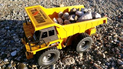 1:24 RC mining dump truck