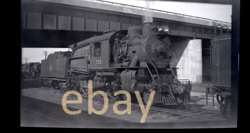 Central of New Jersey 4-6-0 #752 - B&W Negative
