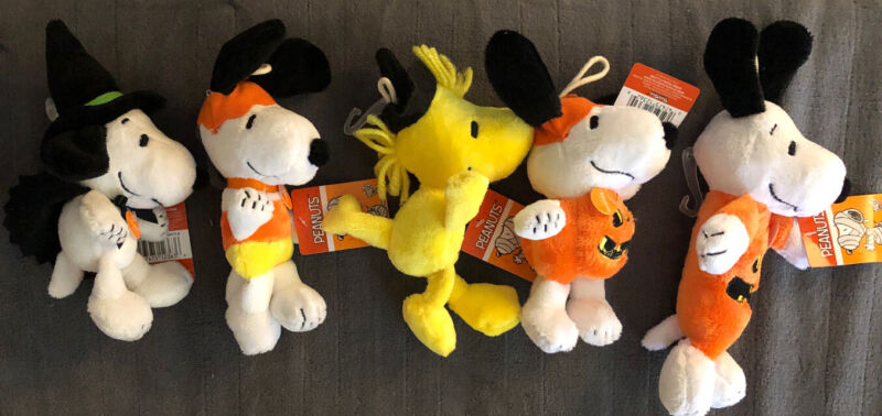 Lot Of 5 Peanuts Halloween Plush Squeak Pet Toys Snoopy Woodstock New
