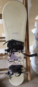 """Morrow snowboard  @54""""  Size 5 boots and binding"""