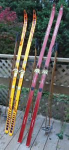 Woman's/youth Benner skis with poles
