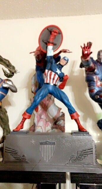 "Marvel Premier Collection 12"" Statue Captain America"