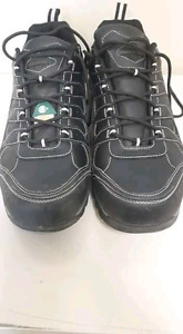 Mens work boots, size 13.