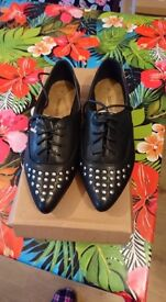 Girls Flat Point Stud Casual Sabina Shoes (Barratts) size 2 Boxed New
