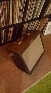 Fender Blues Jr /upgraded Celestion Vintage30/tilting stand/mint