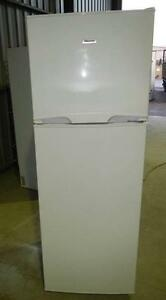 Hisense 342L  Fridge/Freezer  (Includes Delivery) Wingfield Port Adelaide Area Preview