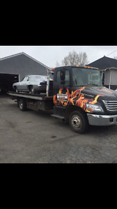 2007  Hino tow truck  deck truck for sale. 22 foot deck