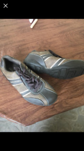 BRAND NEW Never Worn - Men's Perry Ellis shoes