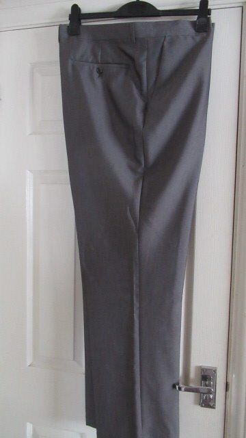 """Greenwoods Tailored fit trousers Charcoal Waist 46""""; inside leg 32"""" R"""
