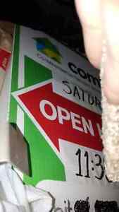 2 x Comfree OPEN HOUSE signs on stakes