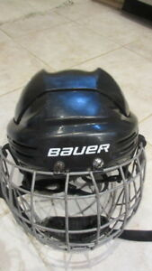 Bauer hockey helmet with cage – XS (JR) size Õ
