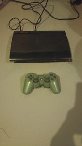 12GB PLAYSTATION 3 SUPER SLIM INCLUDE GREEN CONTROLLER AND GAME