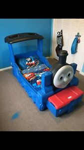 Little Tikes Thomas the Tank Engine Bed with bedding