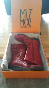 Red leather boots - NEW