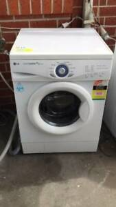 4.5 star 7 kg front LG washing machine   it is in good working order