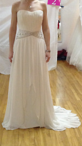 Alfred Sung Wedding Gown - Size 8