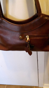 PURSE/ SHOULDER BAG
