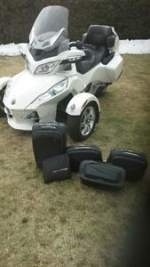 Can-Am SPYDER SPECIAL EDITION  BLANC- 9370 KM