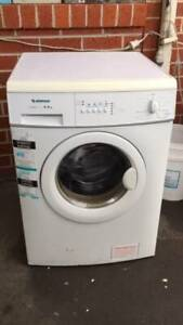 5.5 kg simpson front washing mahcine   it is good working order.   Dim