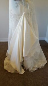 Size 12 Melissa Sweet Wedding Dress London Ontario image 4