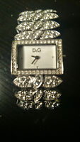 Beautiful watch for women from D&G. In excellent condition.